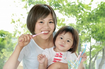 親子歯磨き.jpg